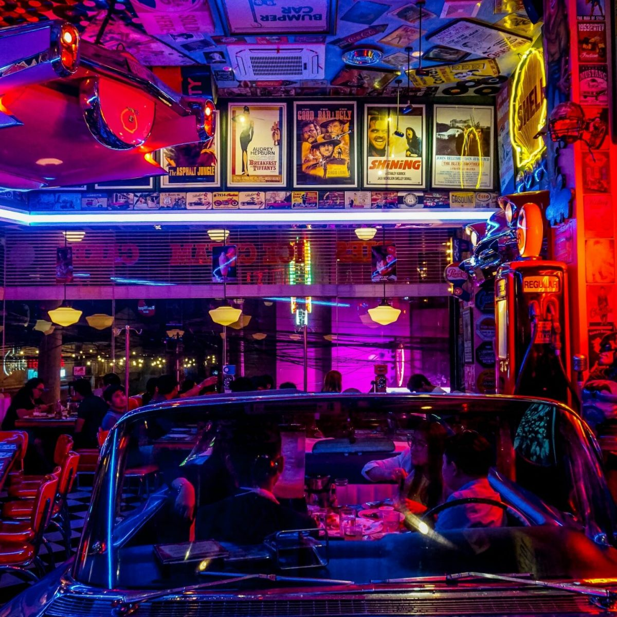 Night Life In UK – Neon Lights With Colorful Decoration for Young night