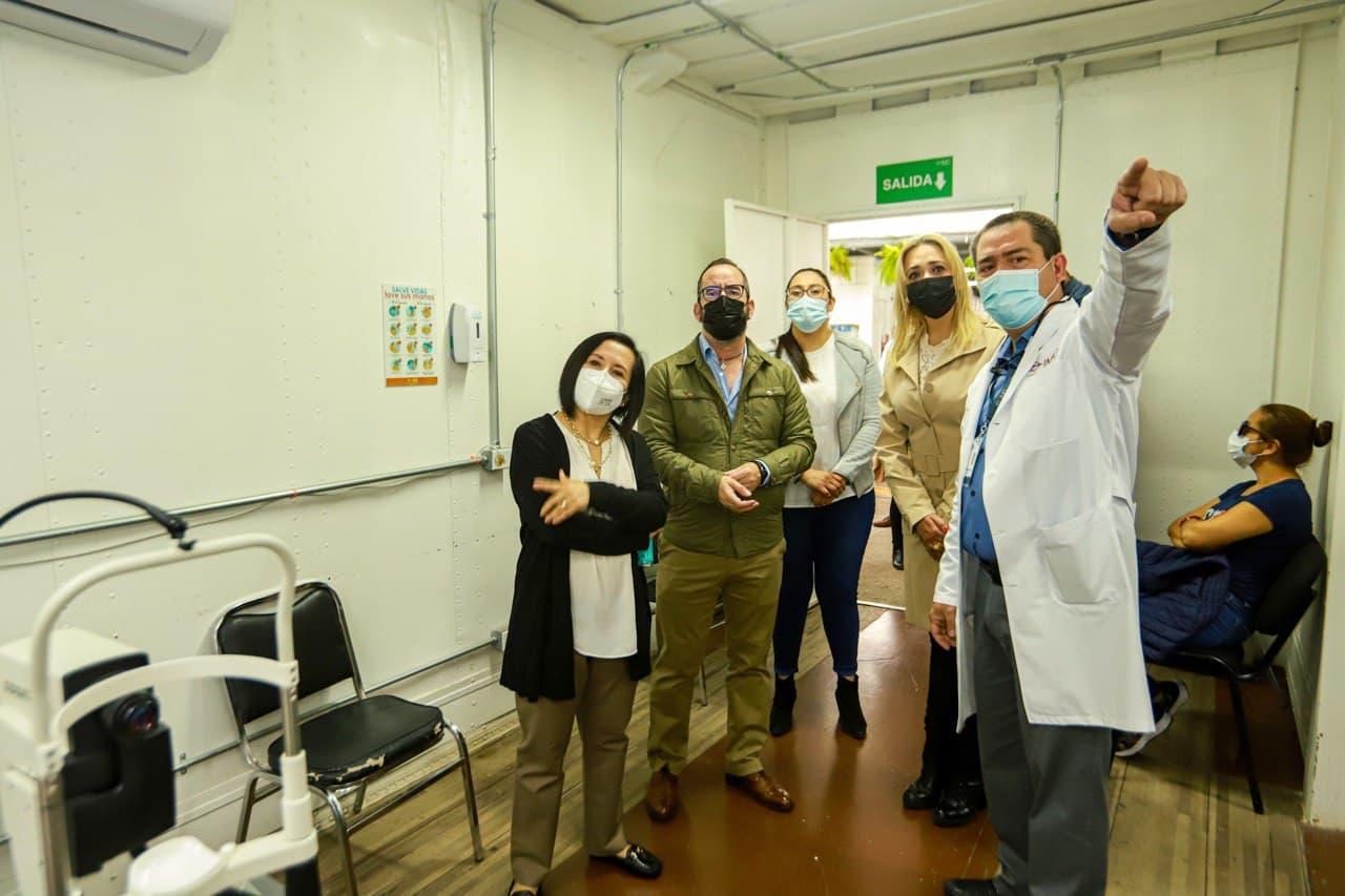 Entregan SEDESOQ y Municipio de Querétaro apoyo al Instituto Mexicano de Oftalmología.