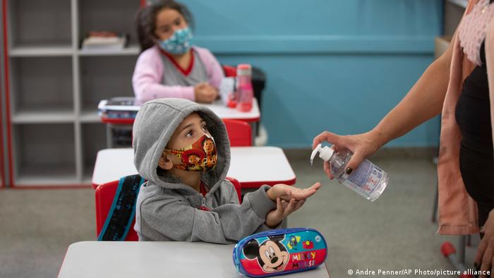 Ola de Covid afecta más a menores de edad, aumentando contagios entre los 0 y 5 años