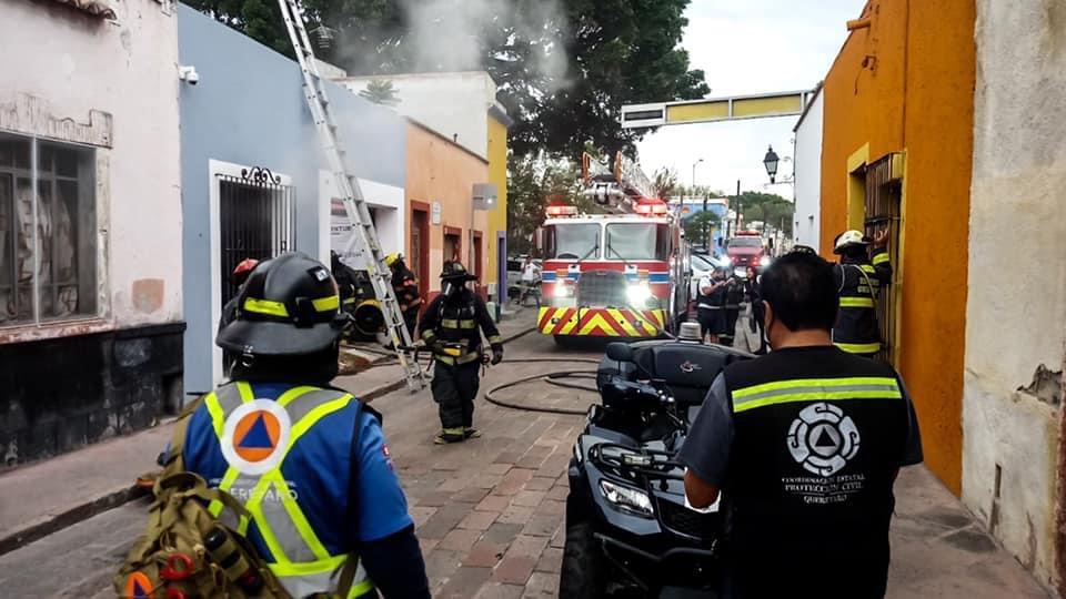 Se registra incendio en comercio del centro histórico