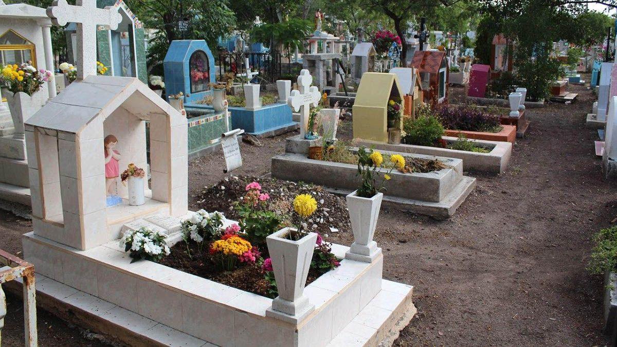 En siete meses suman 188 inhumaciones de fallecidos por COVID en la capital