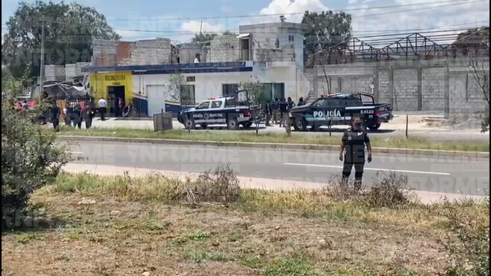 Atacan a sujeto a balazos en una vulcanizadora de la carretera estatal 200