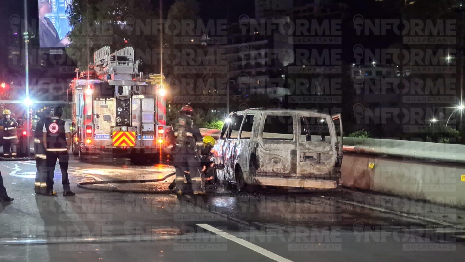 Se incendia camioneta en Bernardo Quintana