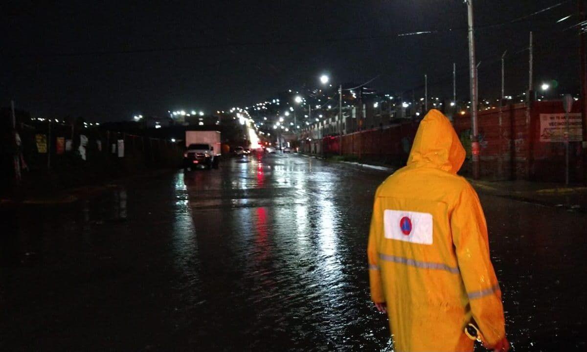 Lluvias del pasado domingo dejaron afectaciones en cuatro colonias de la capital