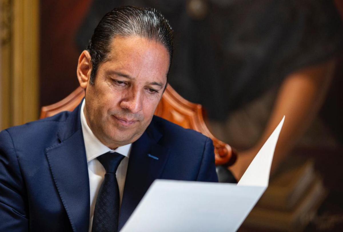 Francisco Domínguez emite mensaje de despedida a unos días de dejar el carro como gobernador