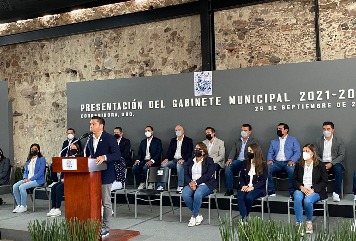 Presenta Roberto Sosa su gabinete 2021 – 2024