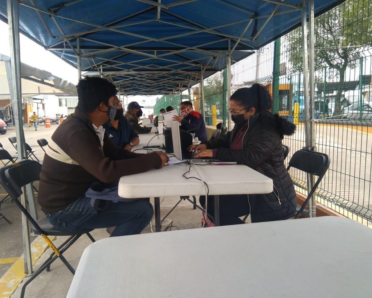 Se realizan reuniones con comerciantes de la central de abastos para ordenamiento de negocios