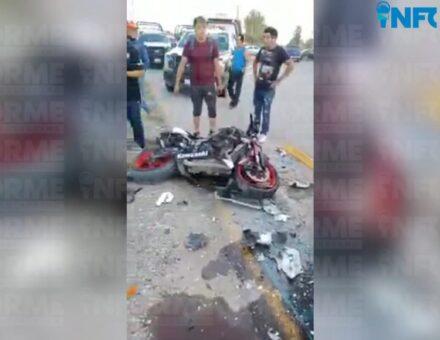 Motociclistas huían de la policía y chocaron contra una patrulla en Pedro Escobedo
