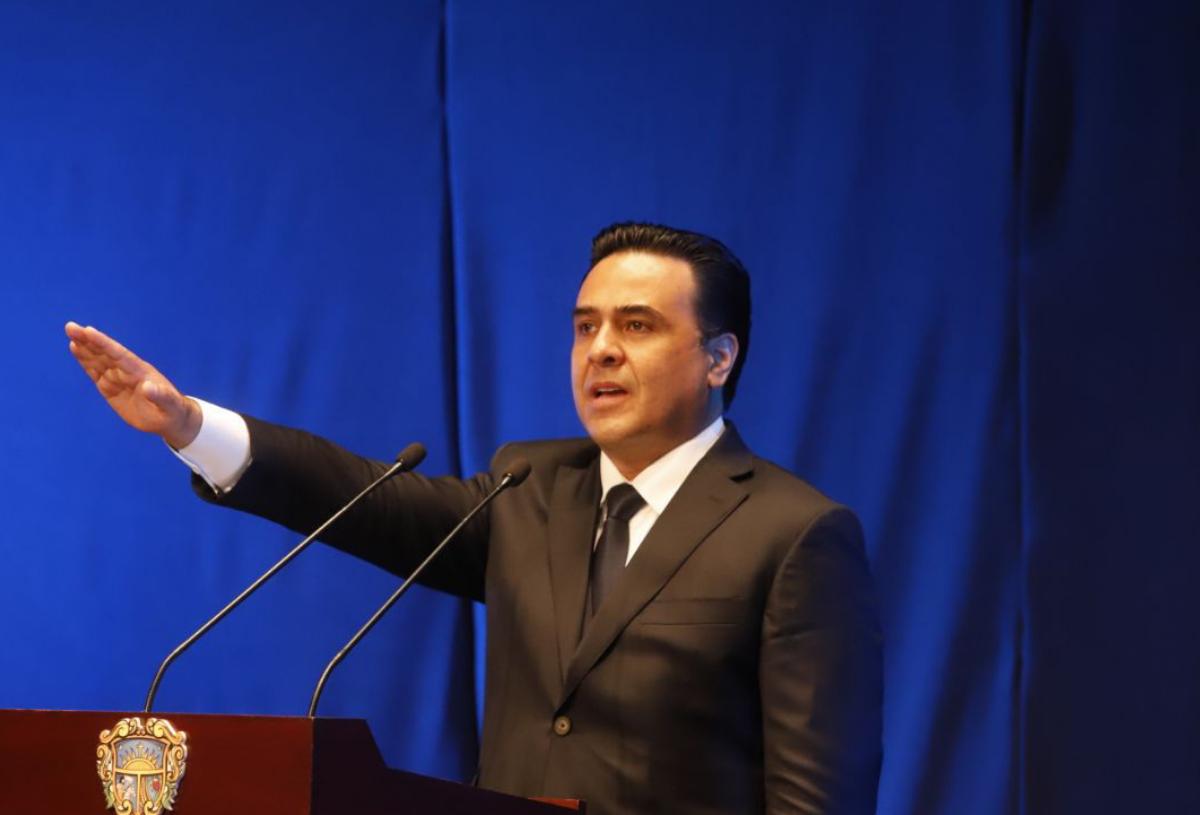 """No les voy a fallar""""; aseguró Luis Bernardo Nava en su toma de protesta como alcalde de Querétaro"""